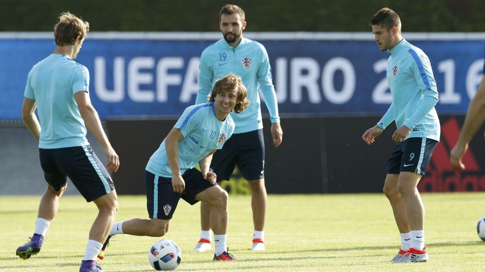 Foto: Modric, en un entrenamiento de Croacia (Reuters)