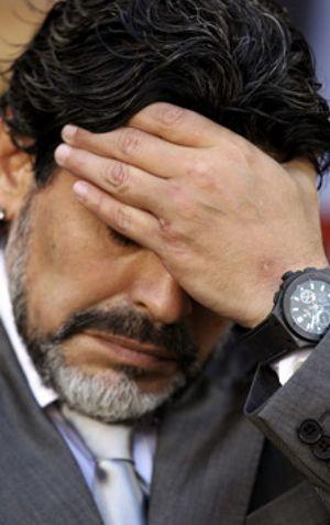 "Grondona: ""La continuidad de Maradona depende de él"""