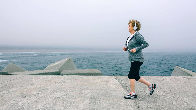 Así puedes perder peso después de los 50: las 6 cosas que debes hacer