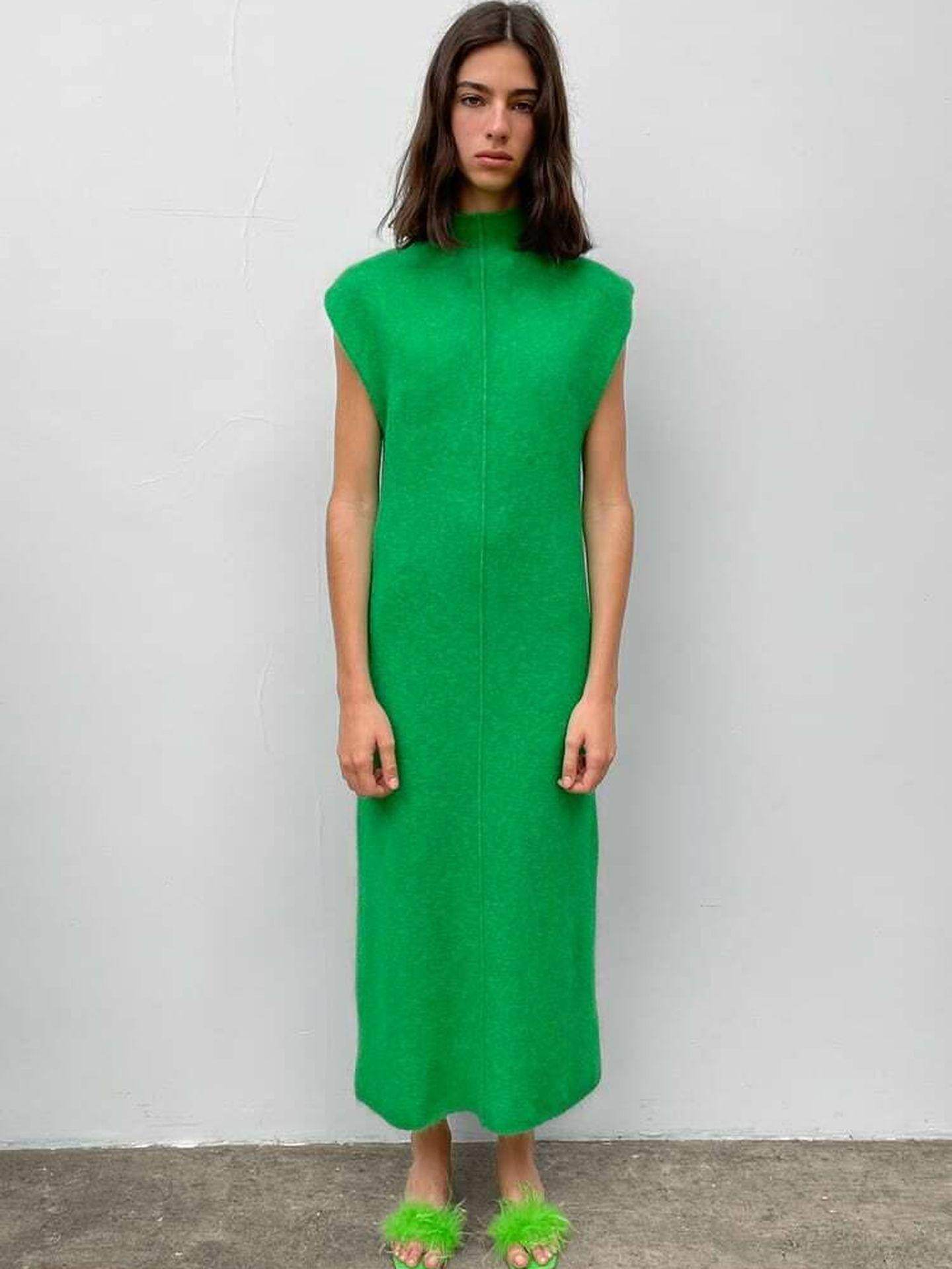 El nuevo vestido de punto de Zara. (Cortesía)