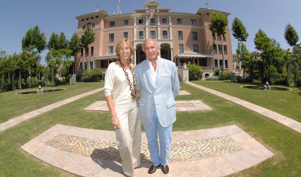 Foto: Alicia Villapadierna y su marido en una imagen de archivo. (Gtres)