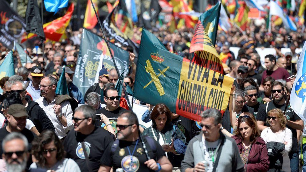 Foto: Manifestación por la equiparación salarial en Madrid, el pasado mayo (EFE)