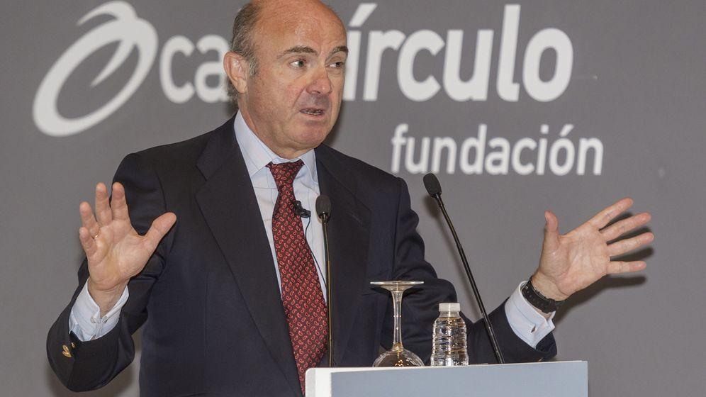 Foto: Conferencia de Luis de Guindos en burgos. (EFE)
