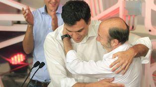 El PSOE hace 'balconing' y no se descrisma