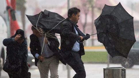 La semana comienza con lluvias y fuerte viento en media España