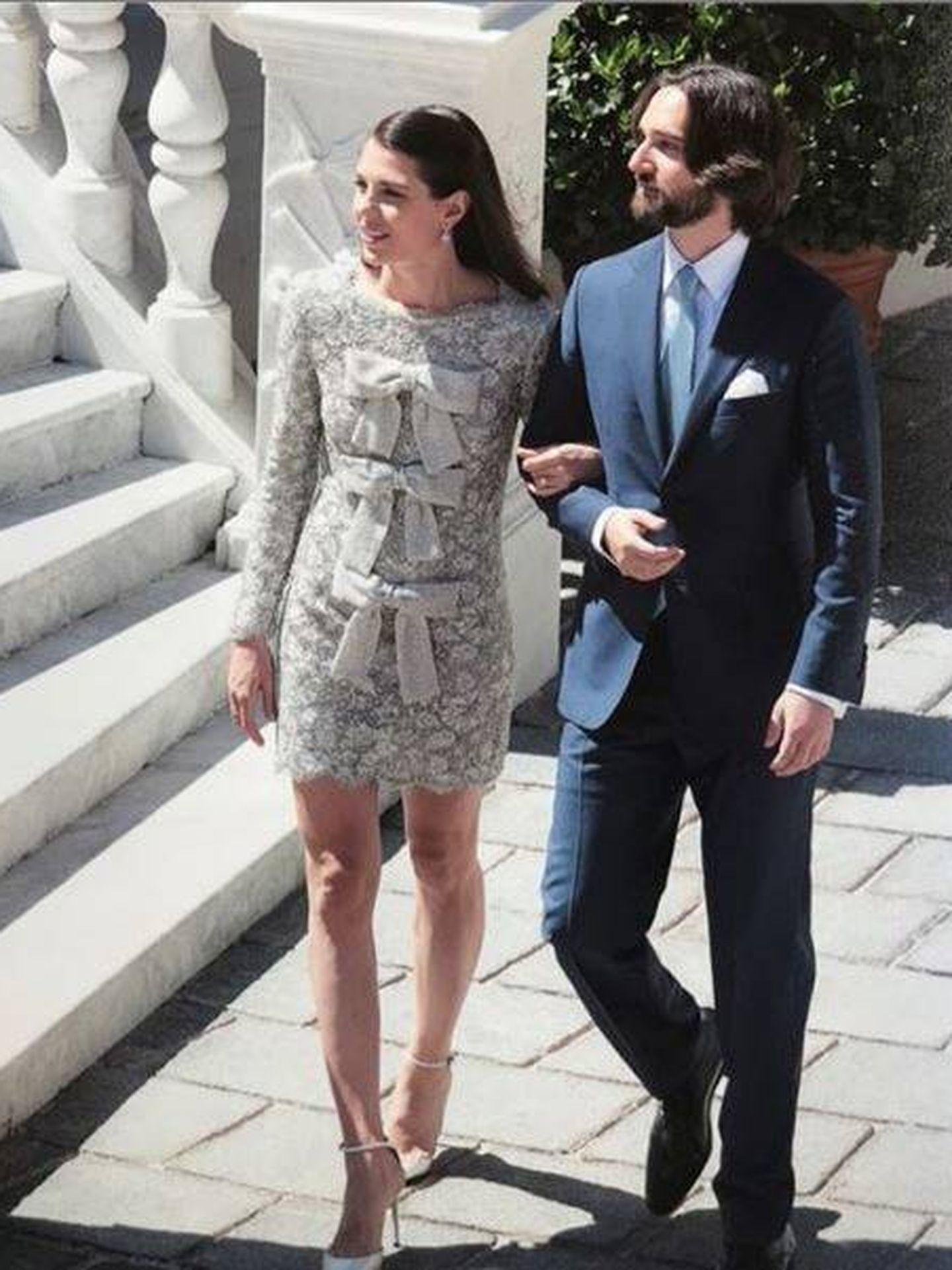 Foto oficial de la boda de Carlota Casiraghi y Dimitri Rassam. (Eric Mathon. Casa Principesca de Mónaco)