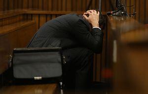 Pistorius vomita mientras el forense explica cómo quedó el cuerpo