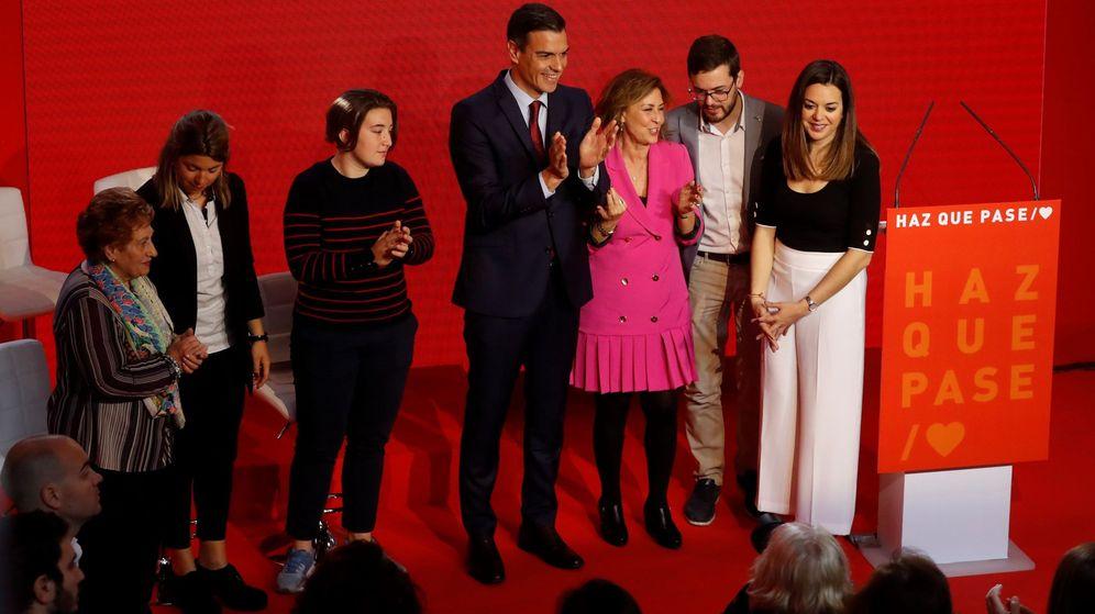 Foto: El presidente del Gobierno y secretario general del PSOE, Pedro Sánchez (c), al terminar su intervención en la presentación de la campaña electoral de los socialistas. (EFE)