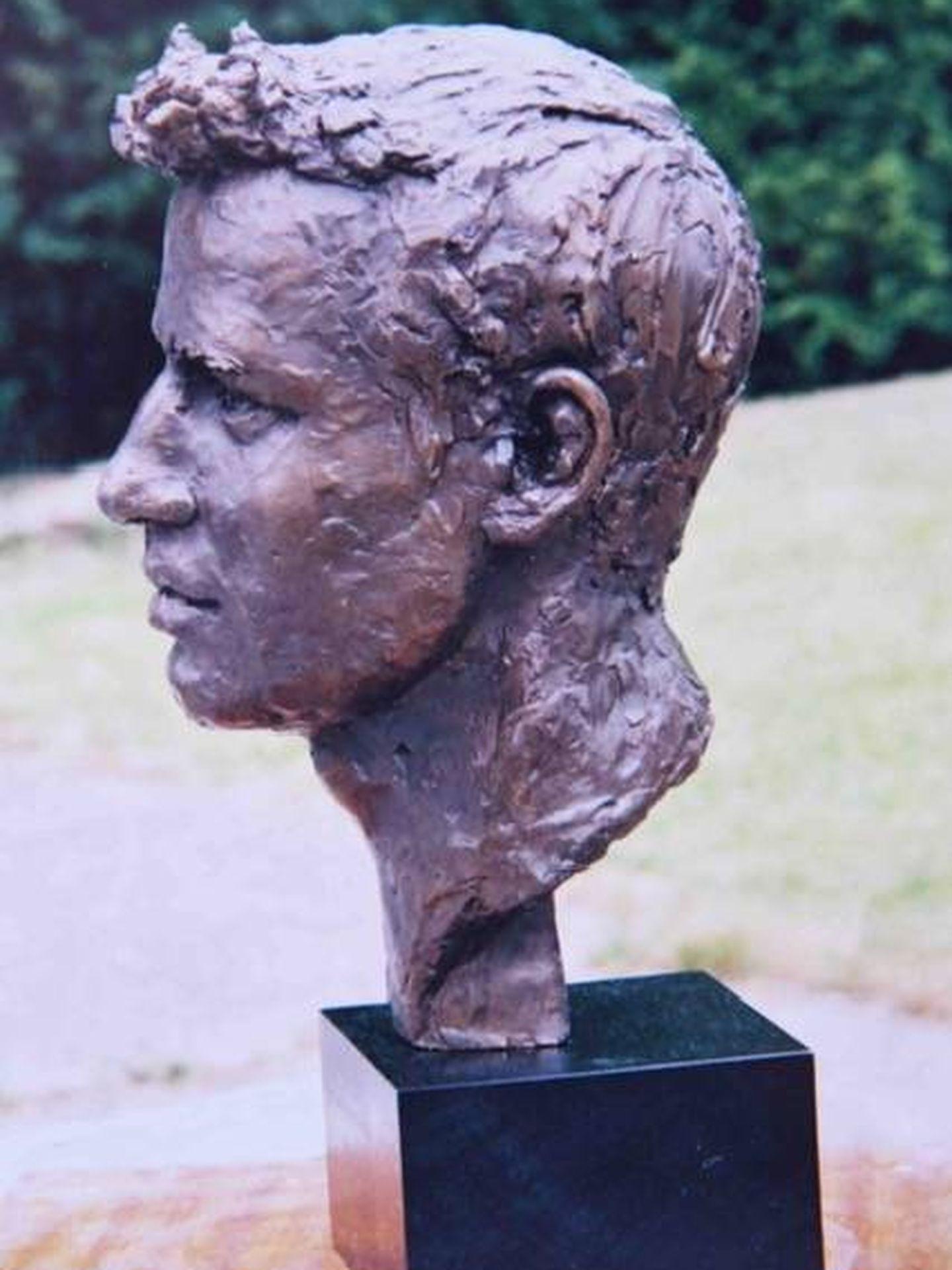 Busto del príncipe Guillermo esculpido por Frances Segelman. (Cortesía)