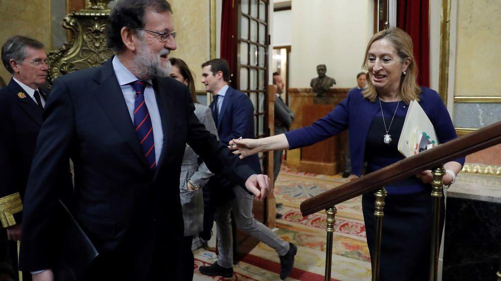 Foto: El presidente del Gobierno, Mariano Rajoy, y la presidenta del Congreso de los Diputados, Ana Pastor, este miércoles en el Congreso. (EFE)