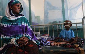 Esta mujer ya ha enterrado a tres hijos: el hambre mata más que las balas en Somalia