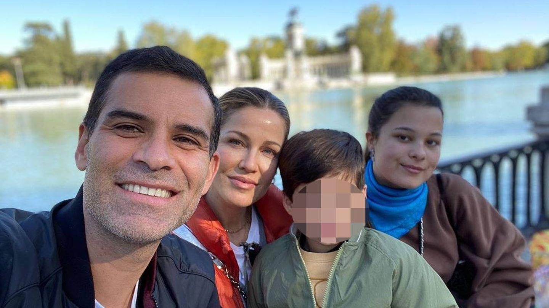 Jaydy Michel, con su marido y sus hijos en Madrid. (Instagram @jaydymichel)