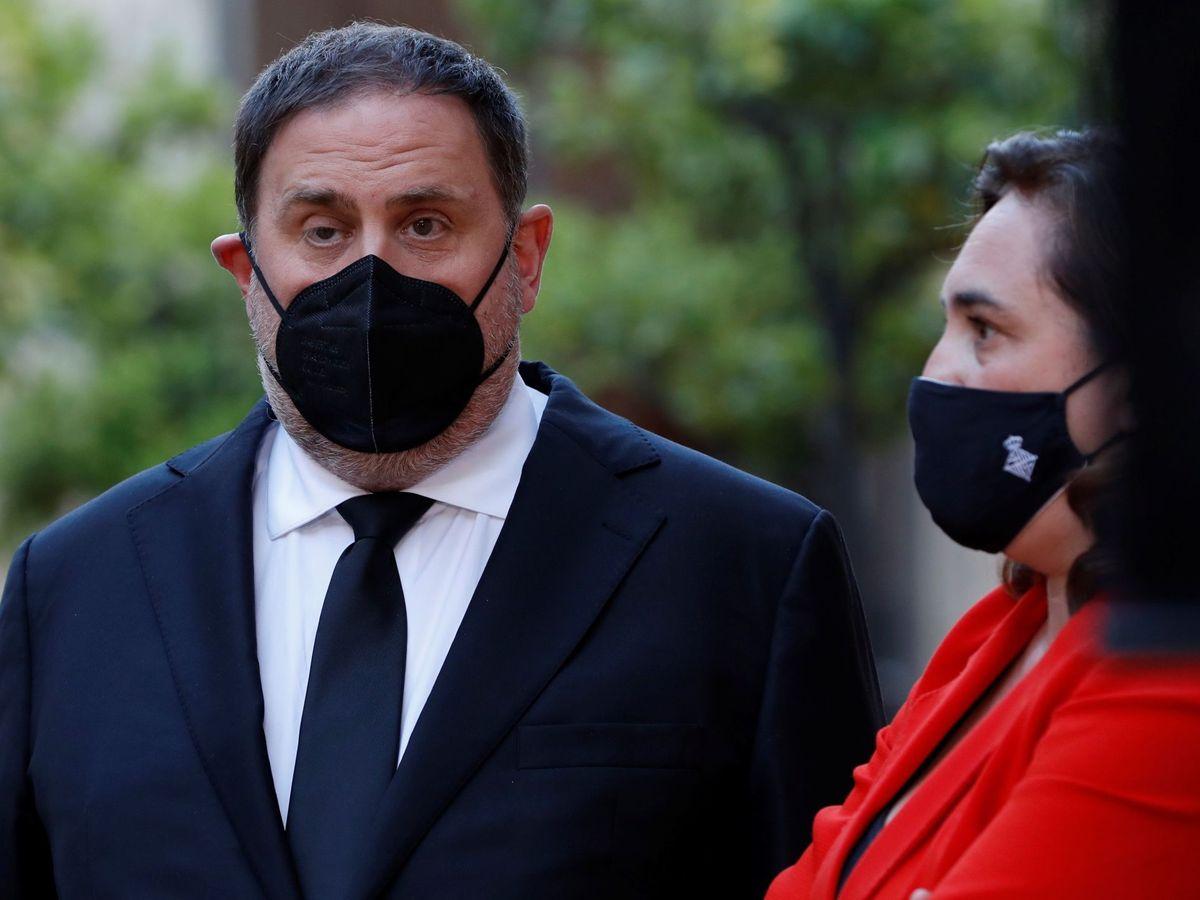 Foto: El líder de ERC, Oriol Junqueras, y la alcaldesa de Barcelona, Ada Colau. (EFE)