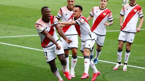 Advíncula resuelve el partido interminable de Zozulya con un golazo y 3 puntos de oro