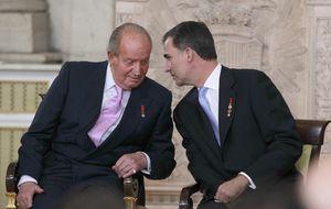 Don Juan Carlos cede la silla a su hijo como jefe de Casa y la dinastía