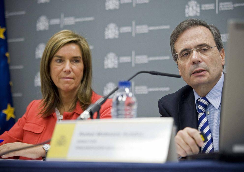 Foto: La ministra de Sanidad, Ana Mato, con el director de la Organización Nacional de Trasplantes (ONT), Rafael Matesanz (EFE)