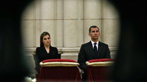 Felipe y Letizia regresan a la Almudena (casi) doce años después de su boda