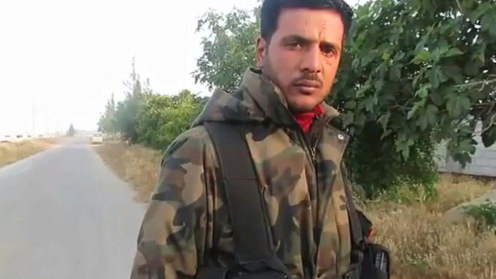 Foto: Abu Sakkar, en una captura de un vídeo en el que se le entrevista.