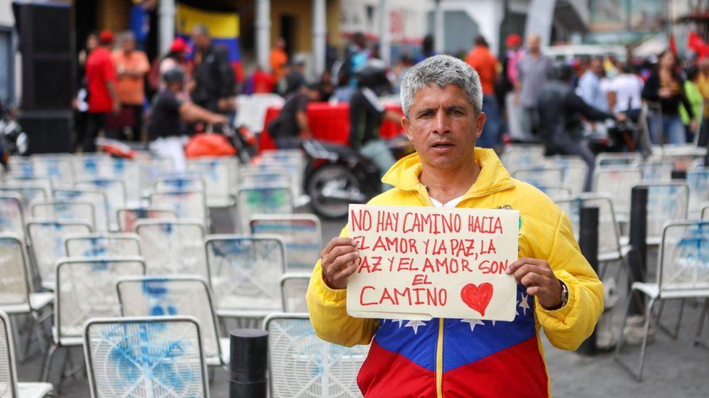 Foto: Simpatizantes del presidente de Venezuela, Nicolás Maduro, participan en una manifestación en apoyo al Gobierno. (EFE)