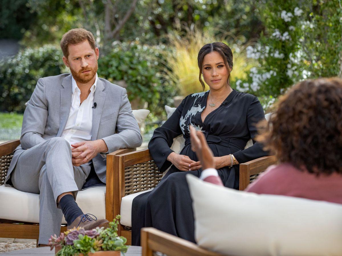 Foto: Meghan y Harry, durante la entrevista con Oprah. (Reuters)