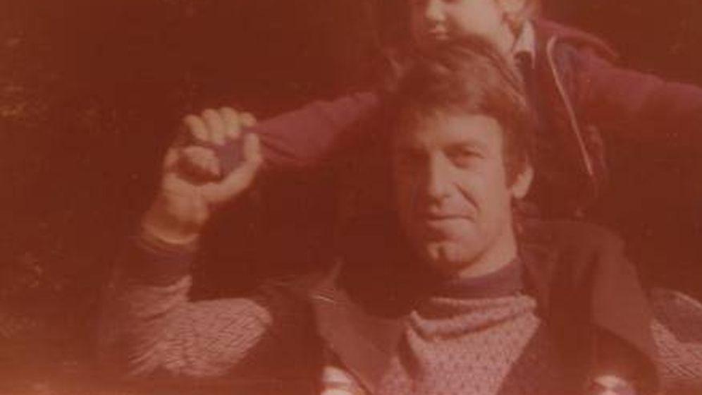 Foto: Renato con su hijo Alberto Prunetti en los años setenta