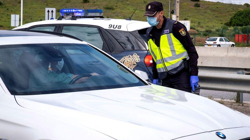 Foto: Denuncian la ilegalidad de la aplicación impulsada por la DGT. (EFE)
