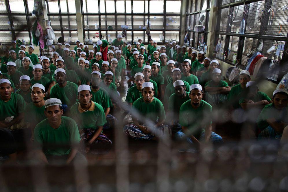 Foto: Migrantes rohingya en un centro de detención en Kanchanaburi, Tailandia (Reuters).