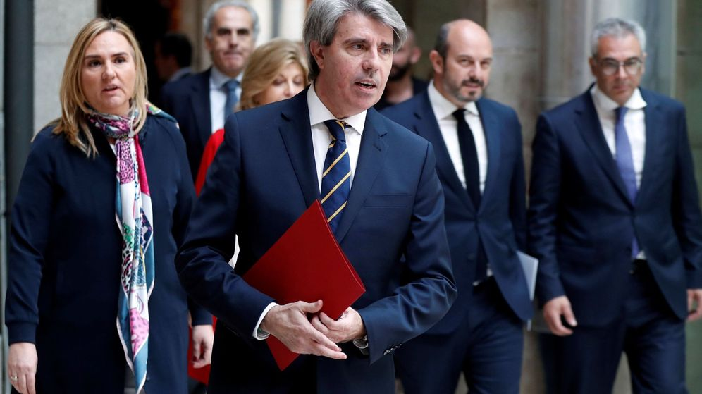 Foto: El presidente en funciones de la Comunidad de Madrid, Ángel Garrido, junto a su equipo de gobierno. (EFE)