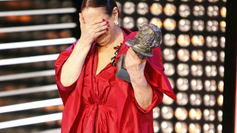 Terele Pávez emocionada tras recibir su Goya