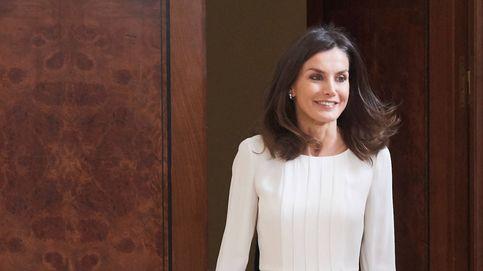Los 10 centímetros que levantan el look de la reina Letizia