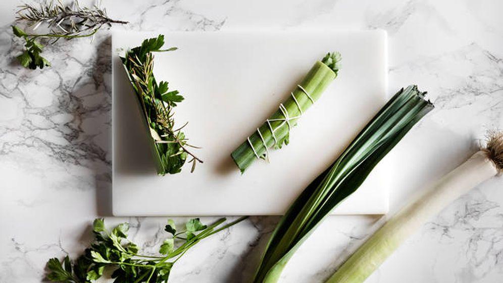 Foto: Atadillo de hierbas con puerro. (Snaps Fotografía)