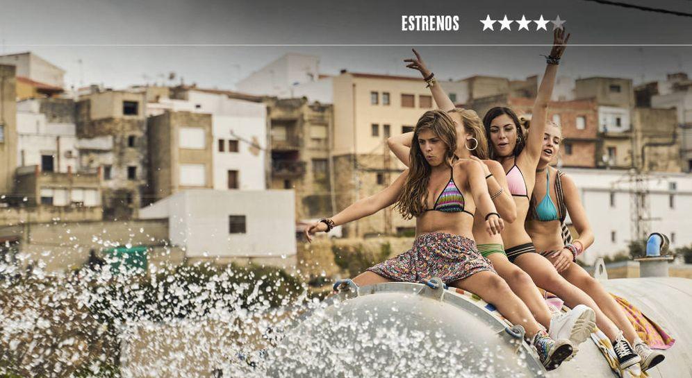 Foto: Carmen Arrufat, Laura Fernández, Lidia Moreno y Estelle Orient, en 'La inocencia'. (Filmax)