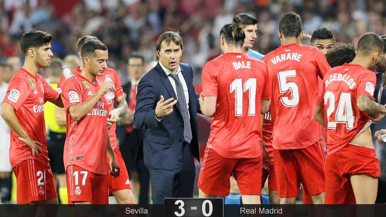 Foto: Julen Lopetegui da instrucciones a los jugadores del Real Madrid en una pausa de hidratación. (EFE)