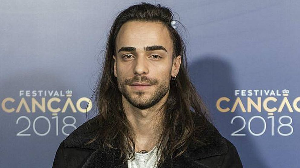 El favorito de Portugal para Eurovisión se retira tras ser acusado de plagio