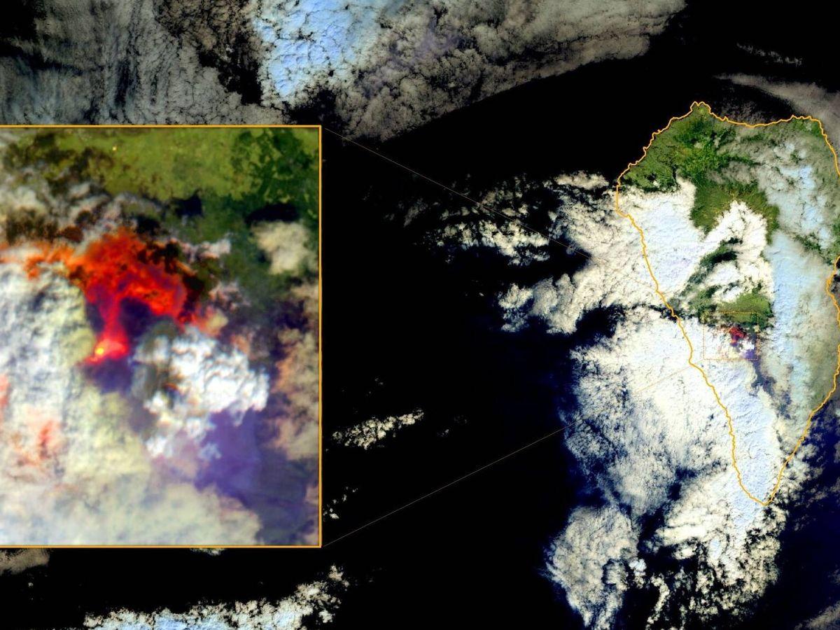 Foto: La erupción del volcán Cumbre Vieja de La Palma, fotografiada por el satélite Sentinel 2 (REUTERS)