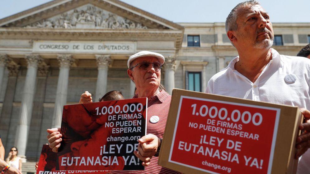 Foto: Un millón de firmas para solicitar que se despenalice la eutanasia en España