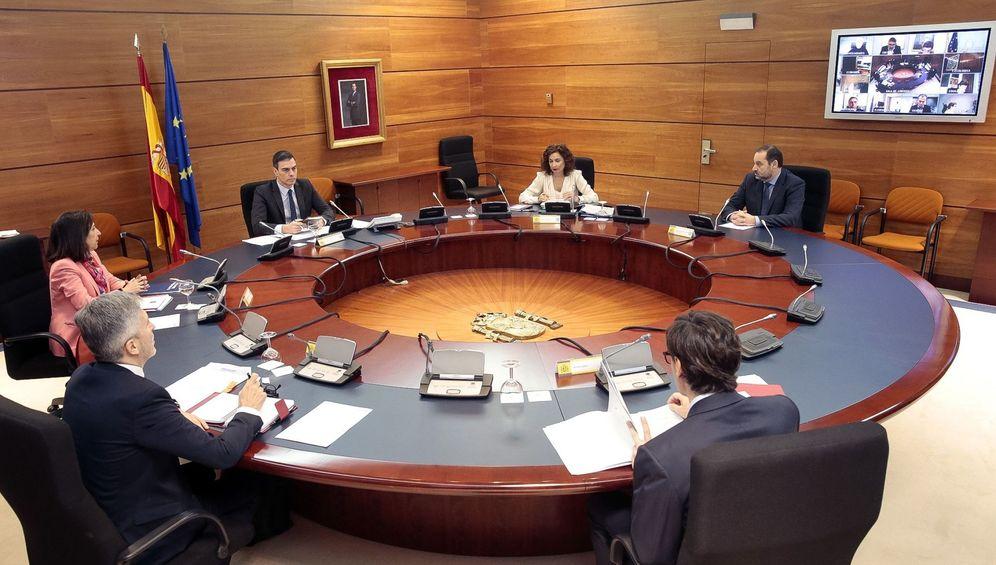 Foto: El jefe del Ejecutivo, Pedro Sánchez, presideen el que participan de forma presencial o telemática todos los miembros del Gobierno. (EFE)