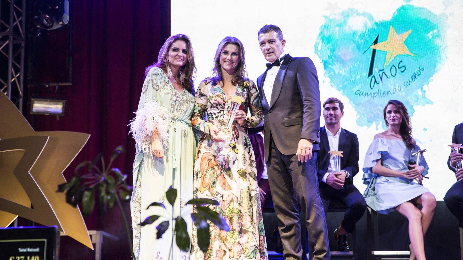 Foto: Sandra García-Sanjuán, Marta Luisa de Noruega y Antonio Banderas.(Starlite)