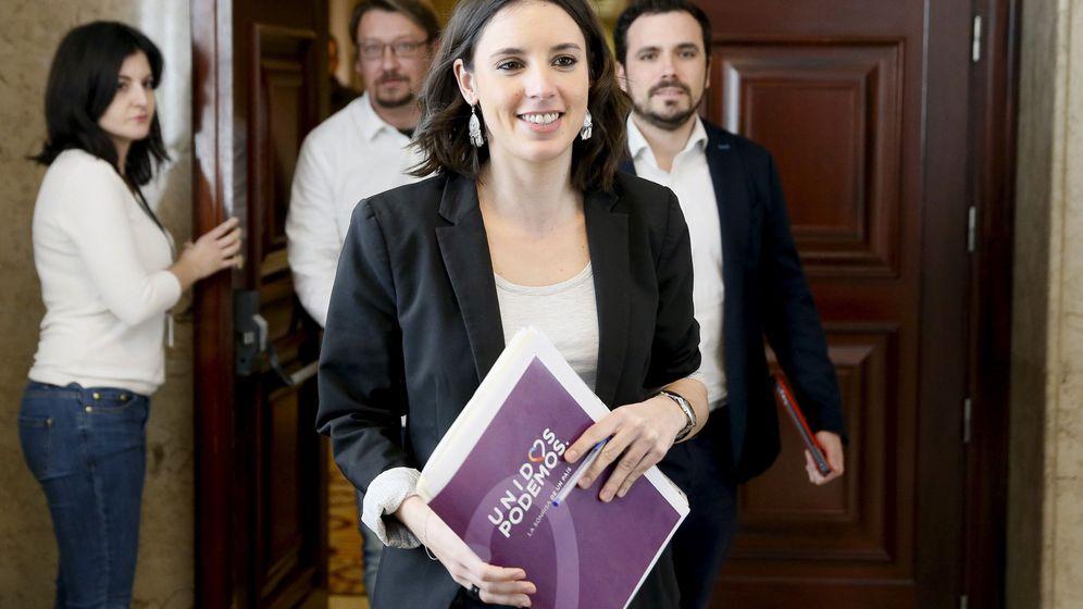 Foto: Irene Montero a la entrada de su primera Junta de Portavoces del Congreso como portavoz de Unidos Podemos, el pasado 21 de febrero. (EFE)