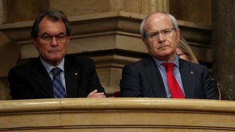 El 'expresident' José Montilla, presidente de una mesa electoral en Sant Just Desvern