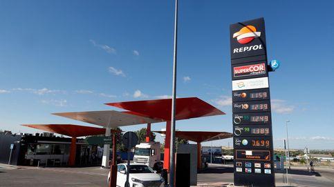 El precio de los carburantes encadena su décima subida y se encarece hasta un 9%
