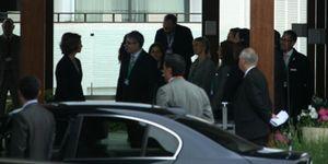 """Foto: La Reina, Polanco, Cebrián y Solana, """"pillados"""" en la reunión de los Bilderberg"""