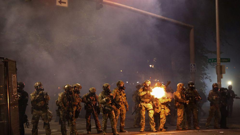 Foto: Agentes en Portland (Reuters)