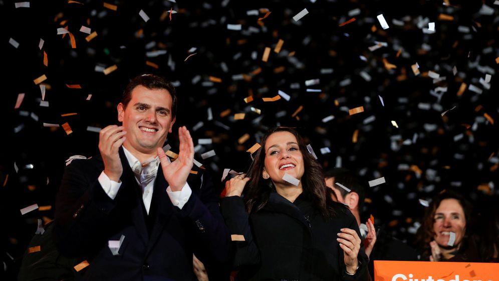 Foto: Albert Rivera e Inés Arrimadas durante la noche electoral del pasado 21-D en Barcelona. (EFE)
