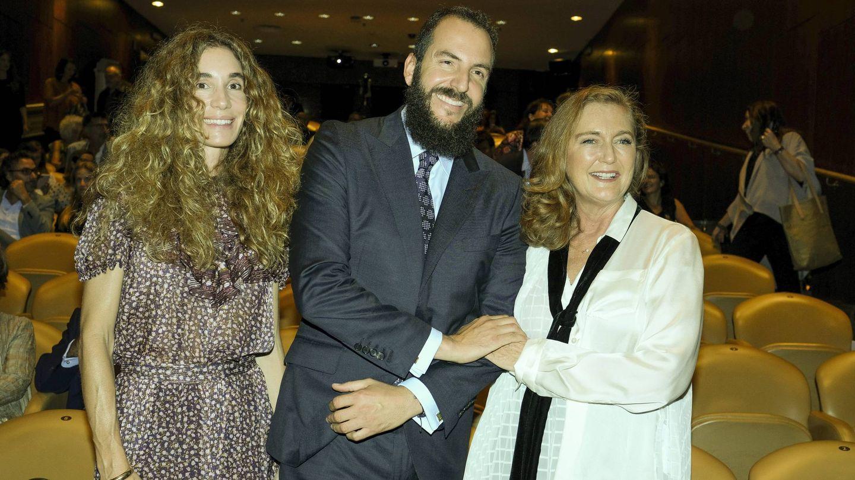 Borja Thyssen y Blanca Cuesta, con Francesca en 2019. (Cordon Press)