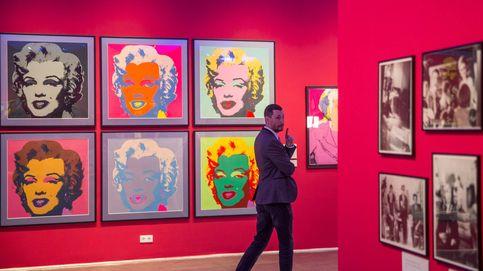 Exposición de Andy Warhol en Hungría e industria de la alfarería en Karachi: el día en fotos