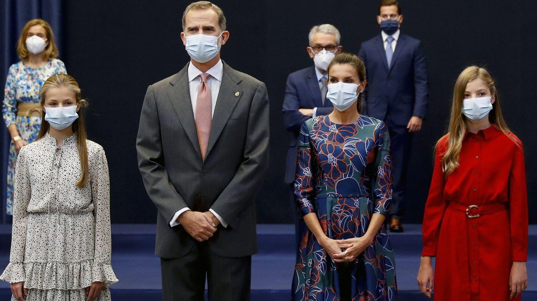 Los reyes Felipe VI y Letizia, con sus hijas. (EFE)