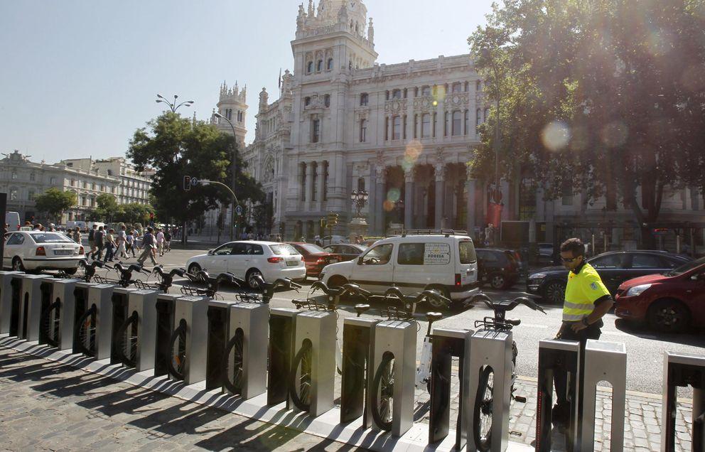 Foto: Bicicletas eléctricas del sistema público de alquiler, BiciMad (Fotografía: Efe).