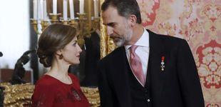 Post de Letizia viaja al pasado y se clona a sí misma para recibir al cuerpo diplomático