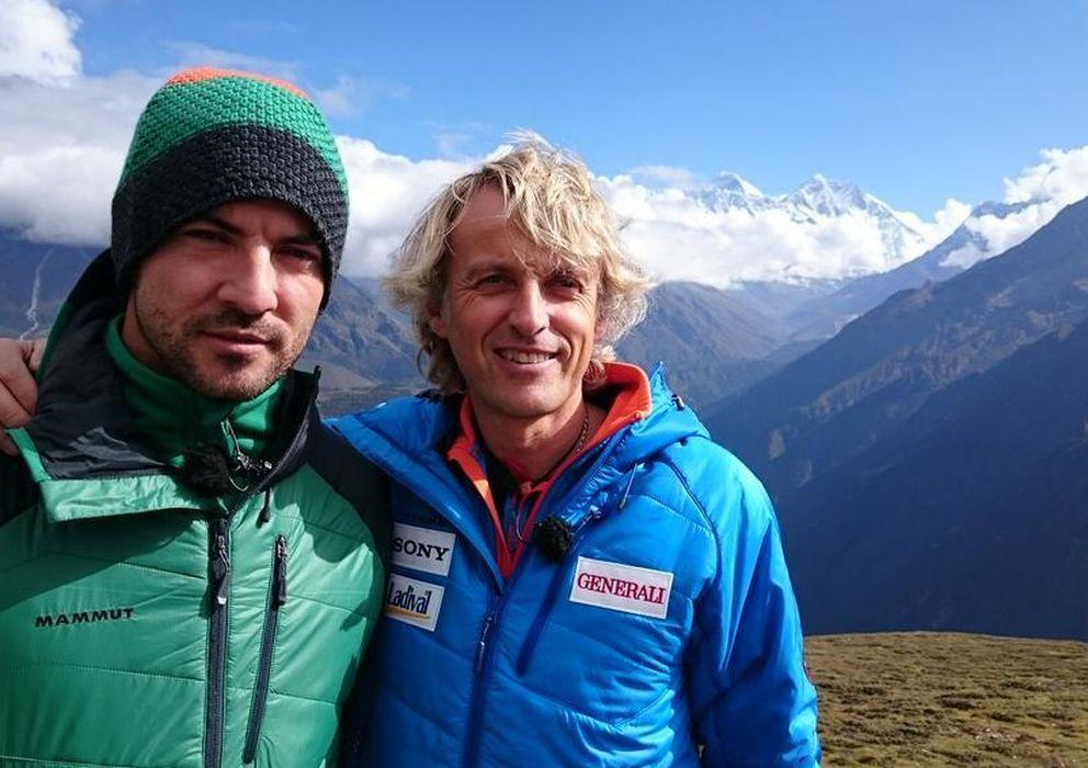 Foto: El cantante David Bisbal junto al aventurero Jesús Calleja (Twitter de Calleja)